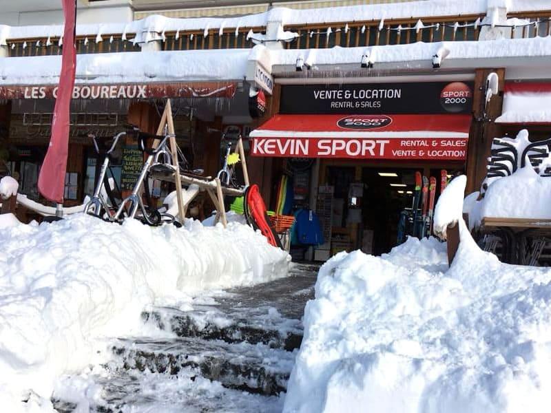 Verleihshop KEVIN SPORT, 128 place de Belledonne in Chamrousse