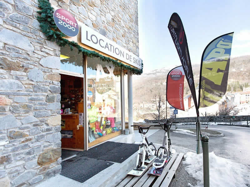 Ski hire shop AX MULTIGLISS, Ax-les-Thermes in Camp de Granou - Résidence les Grands Ax