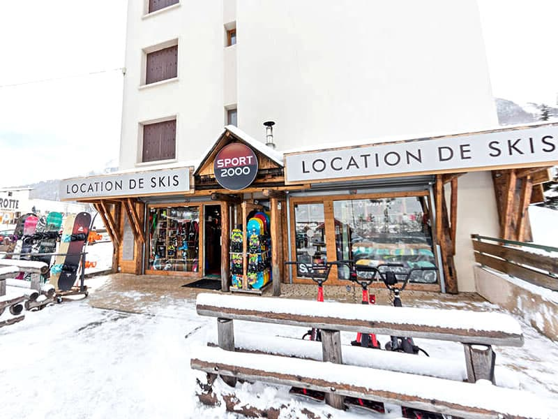 Verleihshop SPORT'S MOUNTAIN, Centre Cial L'Aravet-VILLENEUVE la Salle in Serre Chevalier Villeneuve