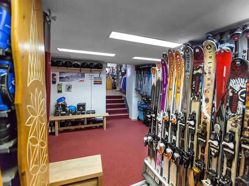 Verleihshop SPORTNEIGE - SPORT & MODE, Centre Village - 38, place des Martyrs in Villard de Lans