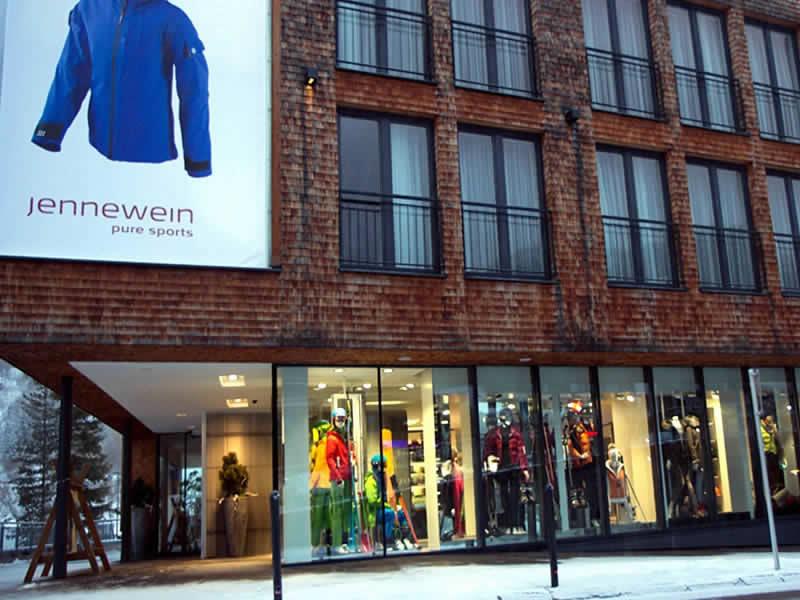 Verleihshop SPORT 2000 Jennewein, Dorfstrasse 2 in St. Anton am Arlberg