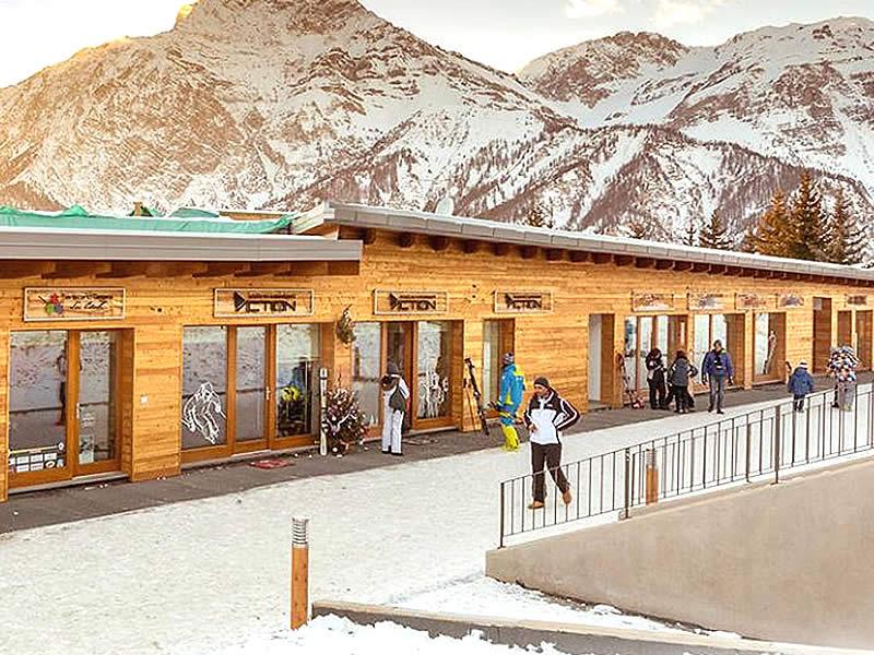 Verleihshop Action Ski Rent, Frazione Sansicario Res. 23 in Cesana Torinese - San Sicario