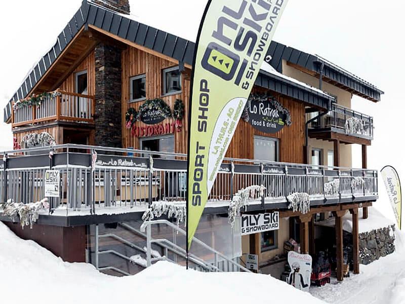 Verleihshop Only Ski & Snowboard, Funivia La Suches (stazione a monte) in La Thuile