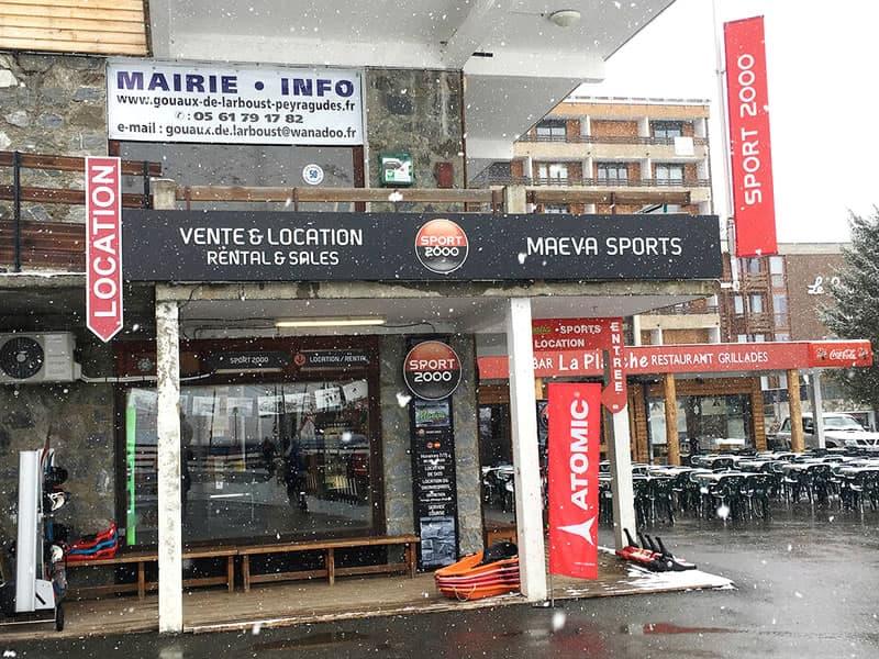 Verleihshop Maeva Sports, Galerie des genévriers - versant Agudes in Les Agudes