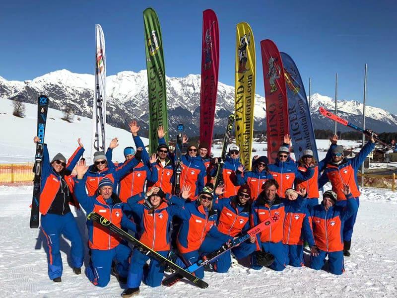 Verleihshop Skischule Skiverleih Total, Glungezerstrasse 17 in Tulfes