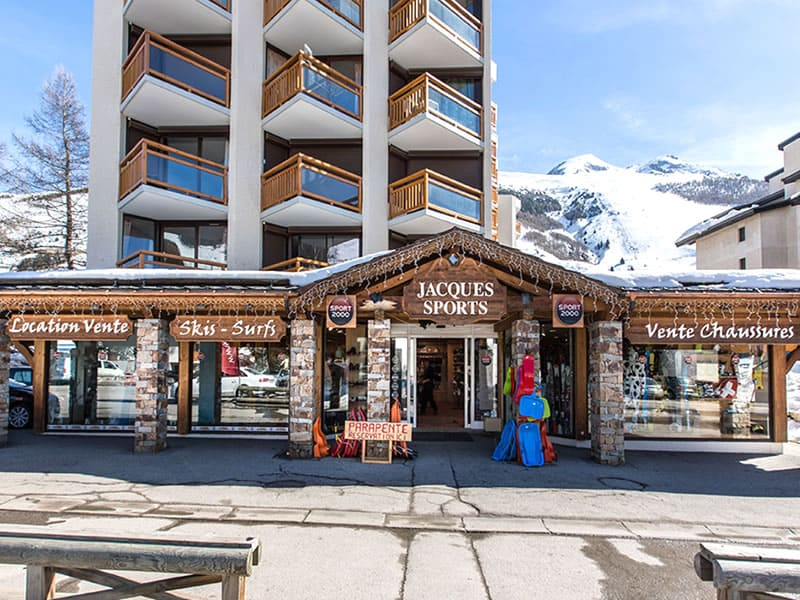 Verleihshop JACQUES SPORTS, Immeuble 3300, 11 Rue des Vikings in Les Deux Alpes