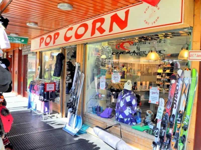 Ski hire shop POP CORN, Les Arcs 1800 in Immeuble le Bellecote - Le Charvet