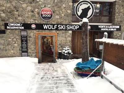 Verleihshop WOLF SKI SHOP, Pra Loup in Immeuble le Clos du Loup [Parking du Loup Blanc]