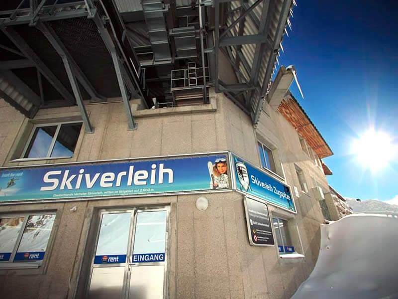 Verleihshop Skiverleih Zugspitze, Mitten im Skigebiet auf 2.600 m in Garmisch-Partenkirchen