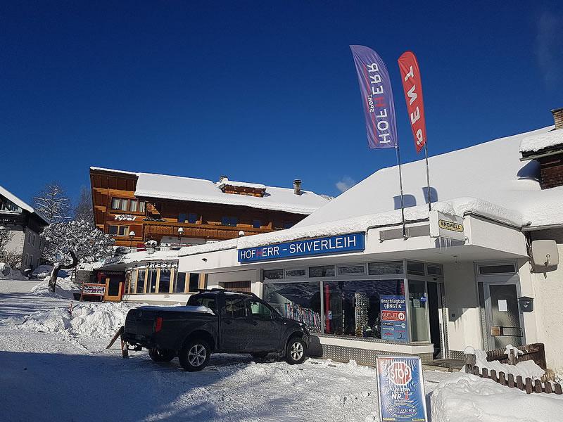 Verleihshop Hofherr Sport, Oberdorf 9 [Hotel Tyrol] in Lermoos