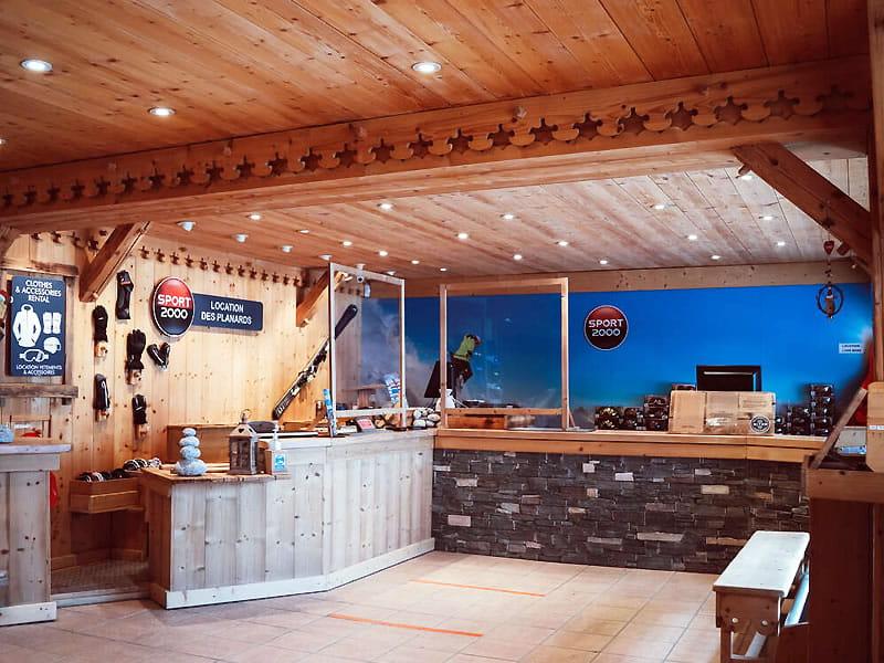 Verleihshop LOCATION DES PLANARDS, Piste des Planards - 350 Chemin du Pied du Grepon in Chamonix