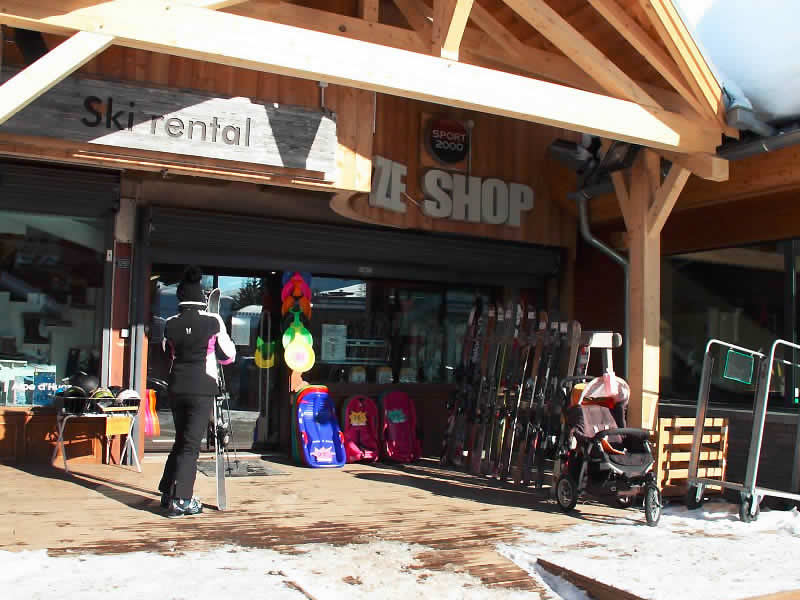 Verleihshop ZE SHOP, Place Joseph Paganon in Alpe d'Huez