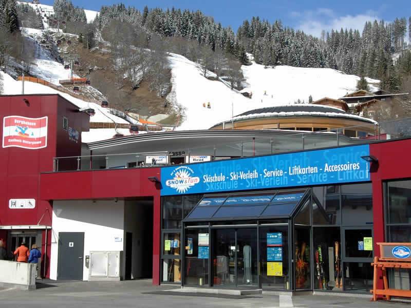 Verleihshop Snow & Fun Hinterglemm, Reiterkogelbahn Talstation in Hinterglemm
