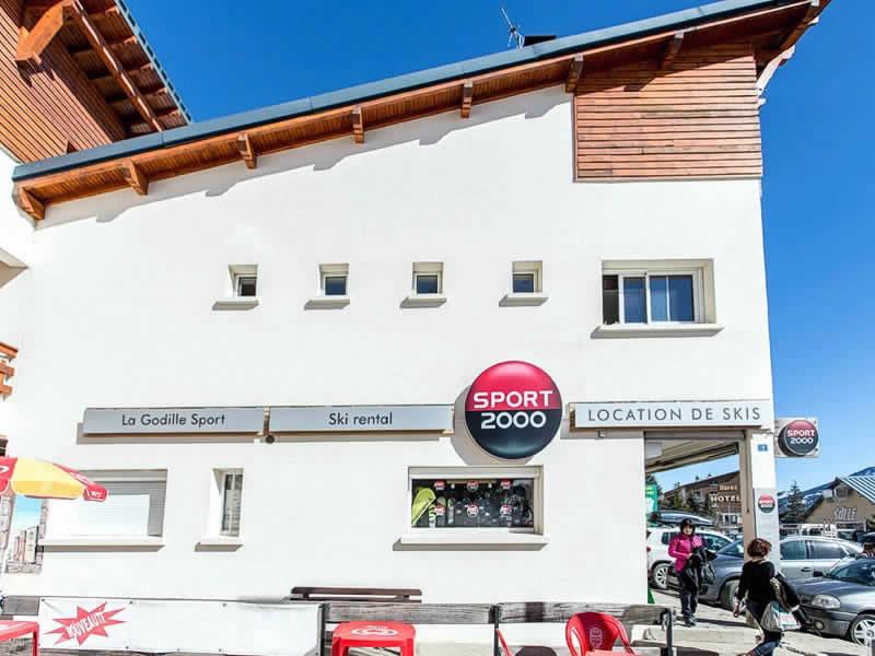 Verleihshop LA GODILLE SPORT, Résidence la Matte, Avenue de Balcere in Les Angles