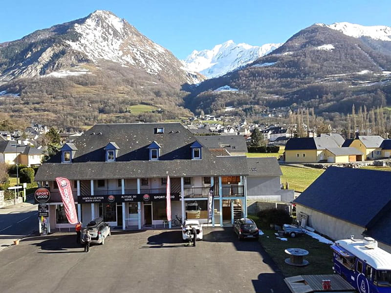Verleihshop ALTITUDE SKI SERVICE, Résidence Monblanc - 39 Avenue du Barège - Esquièze-Sère in Luz-Saint-Sauveur