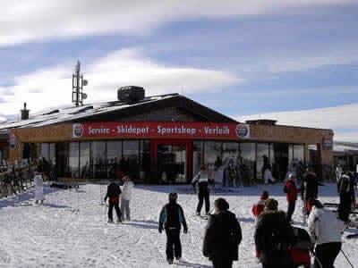 Verleihshop SPORT 2000 Herzog, Neukirchen in Restaurant - Bergstation Wildkogelbahn I