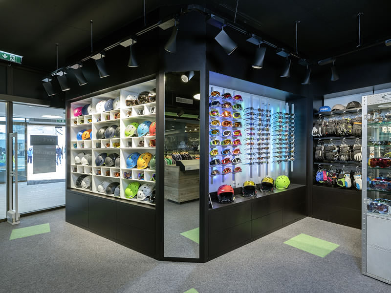 Verleihshop Sport-Shop, Rettenbach Gletscher [Direkt beim Restaurant] in Sölden