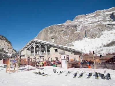 Verleihshop BORASO SPORT LES TUFS, Val d Isere in Route Des Etroits - La Daille