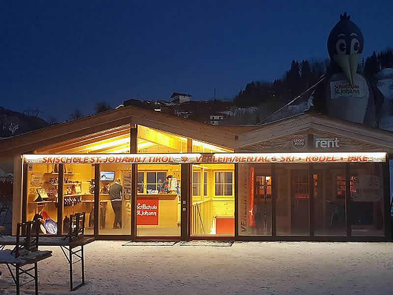 Verleihshop Skiverleih - Skischule St. Johann, Speckbacherstrasse 75 in St. Johann i. Tirol
