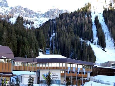 Verleihshop Ski Service da Nico, Arabba in Talstation Porta Vescovo Umlaufbahn - Via Piagn 2