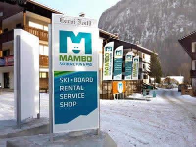 Verleihshop Noleggio Sci - Ski Rent MAMBO, Campitello di Fassa in Via Dolomiti - Strèda Dolomites 20